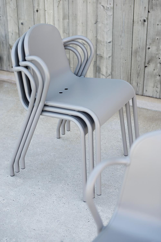 Nya stolar till uteplatsen
