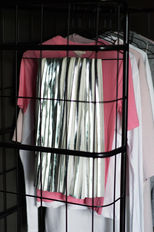 Garderoben fylld med rosa