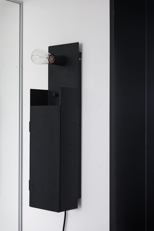 Nyckelskåp med lampa